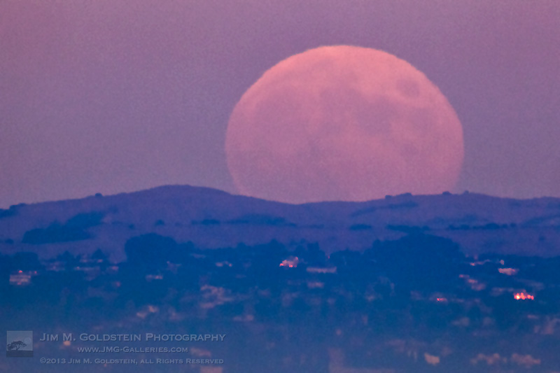 Hunter's Moon Rising