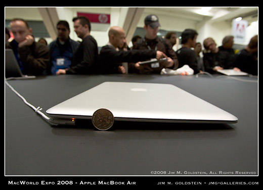MacWorld Expo MacBook Air Profile and Thinness Comparison