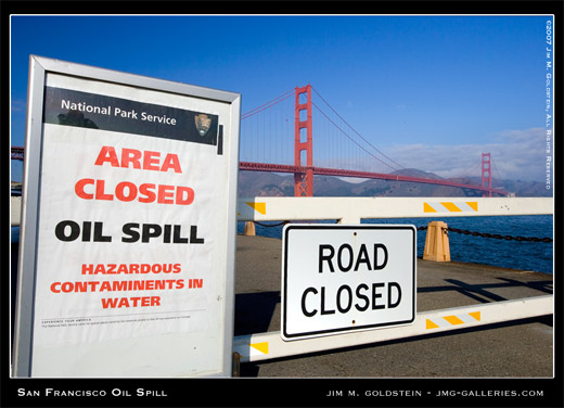 San Francisco Oil Spill photo by Jim M. Goldstein, Fort Point