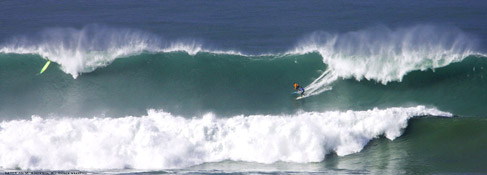 Two surfers, Same Wave, Ever Big enough?